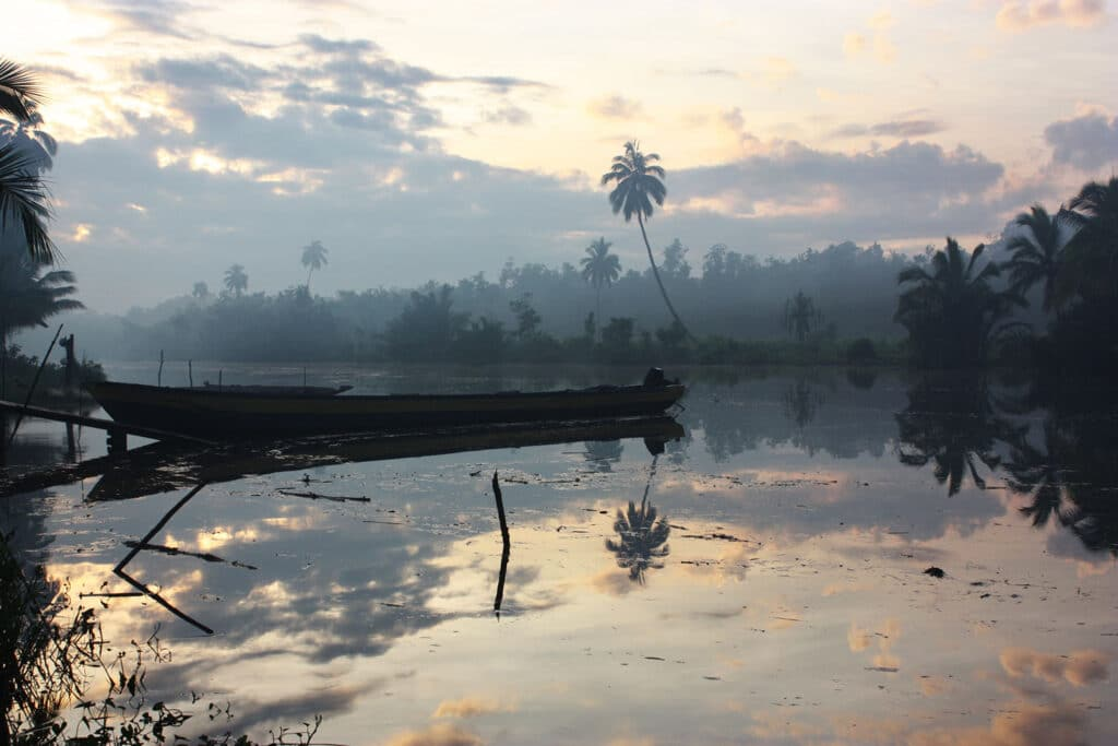 sunrise boat water asmat