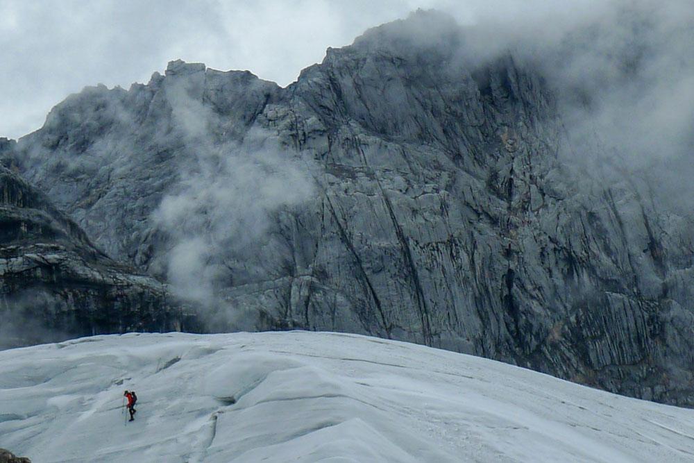 Eis Gletscher Bergsteiger Wolken Fels