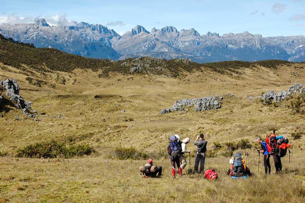 gras landscape mountain view trekking group