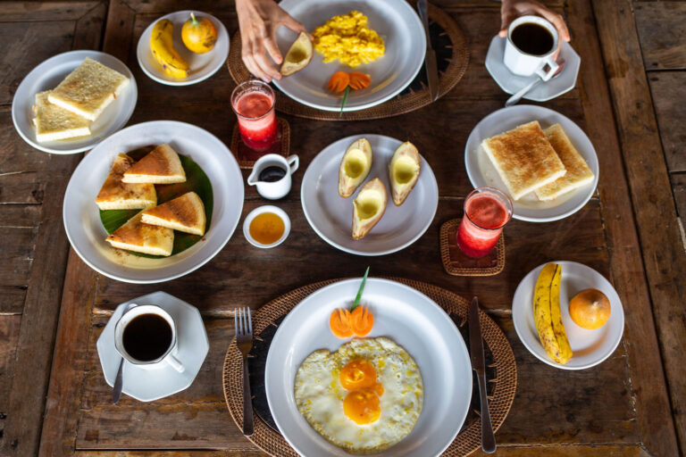 We serve a simple american breakfast, with fresh pancake, all styles of egg, fresh fruits and juices. All fresh products are directly from the Baliem Valley.